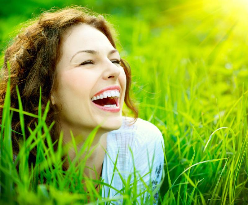 Cosmetic dentists in Harrisonburg | Woman smiling
